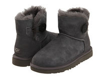 【返品可/お取寄】UGG australia Mini Bailey Button US7