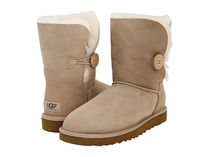【返品可/お取寄】UGG australia Bailey Button US8