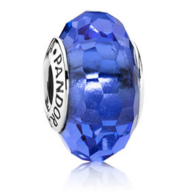 PANDORA パンドラ Fascinating Blue Glass Charm 791067