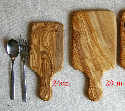 Thick solid Tunisia olive wood cutting board