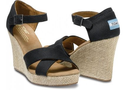 TOMS シューズ・サンダルその他 人気NO.1♪TOMS Strappy Wedges 単色3カラー(2)