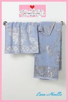 店舗完売在庫限り!Velveteen Adorned Hand Towel Blue