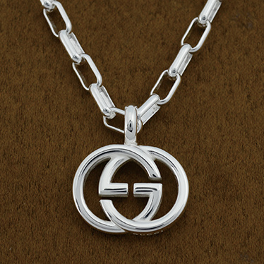 Brand new authentic GUCCI 295710-J8400/8106 necklace
