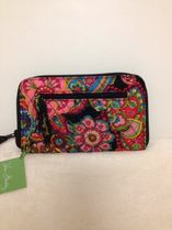 【在庫有】Vera Bradley Zip-Around Wallet in Symphony in Hue