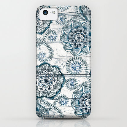 Society6 iPhone・スマホケース Society6 ケース Navy Blue Floral Doodles on Wood by Micklyn