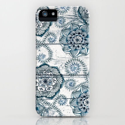 Society6 iPhone・スマホケース Society6 ケース Navy Blue Floral Doodles on Wood by Micklyn(2)