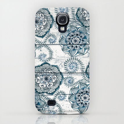 Society6 iPhone・スマホケース Society6 ケース Navy Blue Floral Doodles on Wood by Micklyn(5)