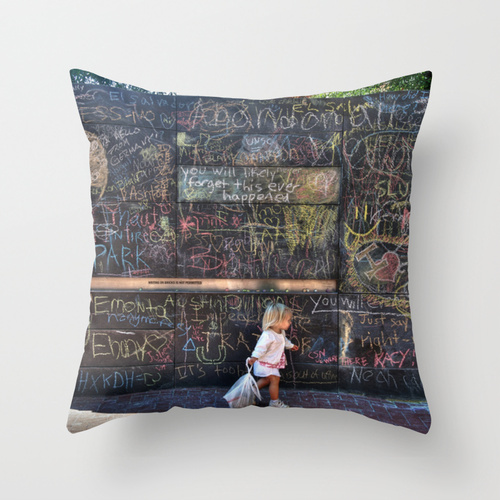 Society6★クッション★Taking my Chalk and Going Home