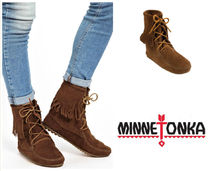 セレブ愛用★Minnatonka Ankle Hi Boot:428Dusy Brown★