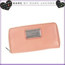Marc by Marc Jacobs CLASSIC Q ラウンド長財布 サーモンピンク