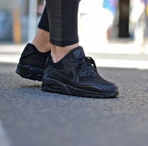 SALE!! 送関税込み!! セレブ愛用☆ Nike Air Max90 (BLACK)