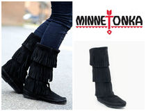 セレブ愛用♪Minnetonka:Calf Hi 3Layer Fringe Boot-Black