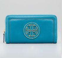《Tory Burch》AMANDA ZIP CONTINENTAL WALLET/ ブルー♪