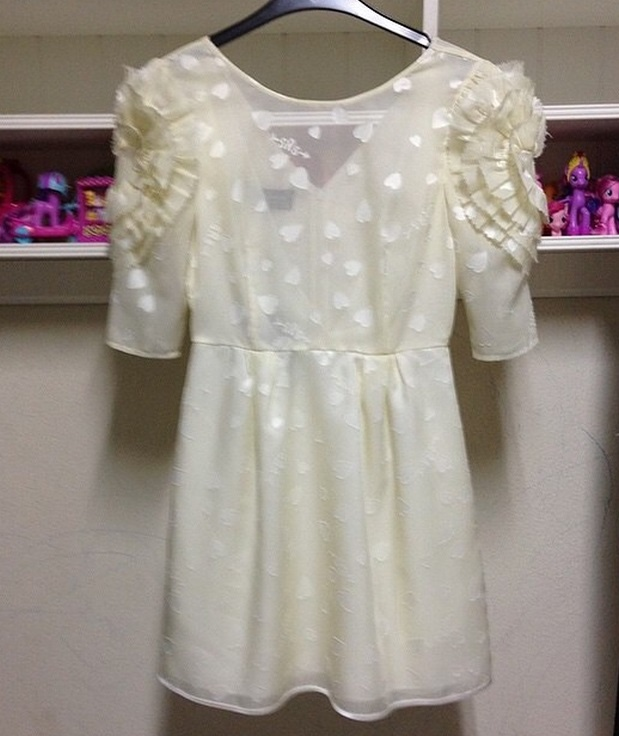 SRETSIS WHITE HEARTS RUFFLE DRESS