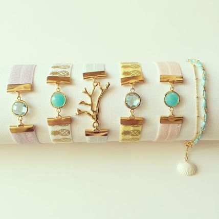 Pastel-colored sea glass coral shell bracelet Hawaii Beach