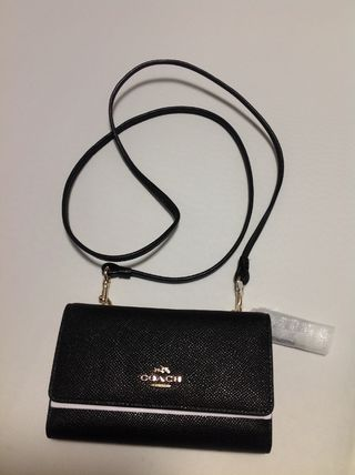 Coach iPhone・スマホケース 【即発送】COACH♡Crossbody Bag iPhone 6/5s/5対応ケース