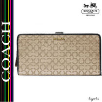 ★Coach★MADISON SKINNY WALLET IN NEEDLEPOINT OP ART FABRIC