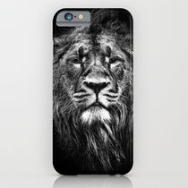 Society6 ケース male asiatic lion by Meirion Matthias