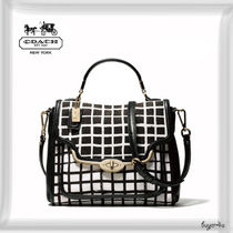 COACH★SMALL SADIE FLAP SATCHEL IN GRAPHIC PRINT FABRIC