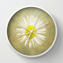 Society6★置き時計・掛け時計★Daisy by Pauline Fowler Polly