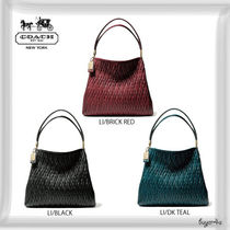 【COACH】MADISON SMALL PHOEBE SHOULDER BAG IN GATHERED TWIST
