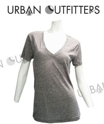 Urban Outfitters Tシャツ・カットソー 【関税・送料込】Urban Outfitters V ネックTシャツ(Grey)