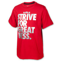 STRIVE FOR GREATNESS パフォーマンスTシャツ