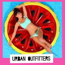 Urban Outfitters☆海にプールにスイカフロート浮輪