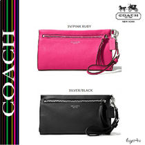★Coach★BLEECKER LARGE WRISTLET IN PEBBLED LEATHER