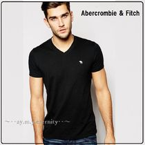◆Abercrombie & Fitch◆ VネックTシャツ【関税・国内送料込】