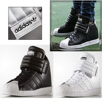 お早めに☆ADIDAS WOMEN'S SUPERSTAR UP STRAP インヒール 2色