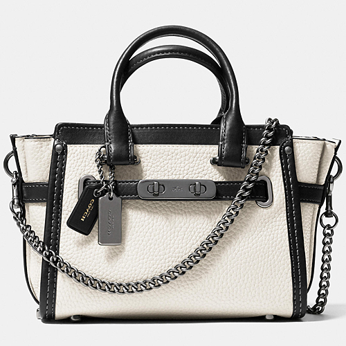 COACH★セール価格☆SWAGGER 20 WITH CHAIN IN PEBBLE LEATHER♪