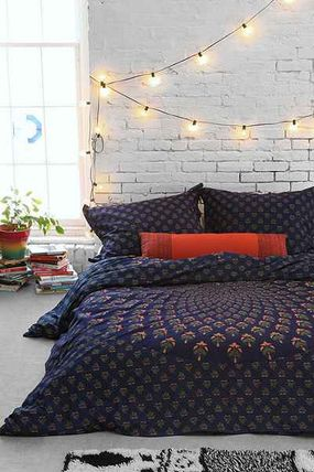 ○urbanoutfitters○Meadow Paisley Medallion Duvet Cover Q