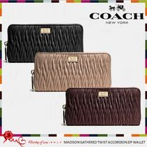 COACH 49609 MADISON GATHERED TWIST ACCORDION ZIP WALLET