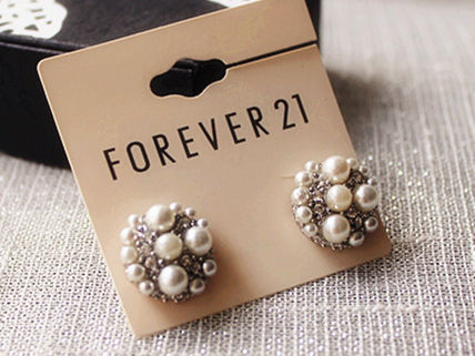 Forever21 イヤリング・ピアス ★Forever21★ガーデン 小粒パール ピアス★白