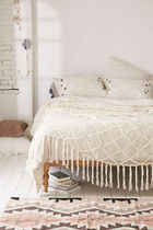 sale ○urbanoutfitters○Plum & Bow Ria Coverlet
