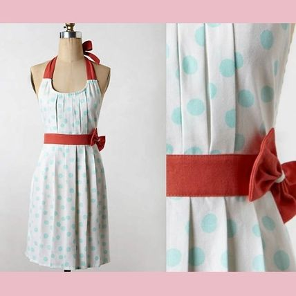 Anthropologie last sale ribbon attached apron Polka Pleats