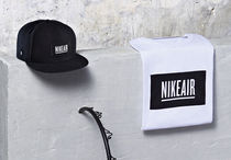 PIGALLE(ピガール) Tシャツ・カットソー 在庫有り国内送◆ナイキ nike PIGALLEピガール ロゴ Tシャツ
