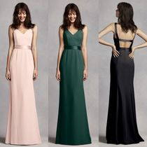 送料&関税込★Vera Wang Long V Neck Crepe Gown with Open Back