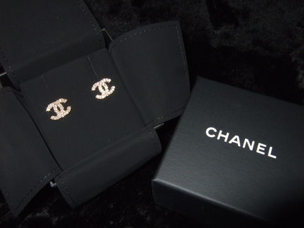 CHANEL luxury Twinkle twinkle little Coco make earrings