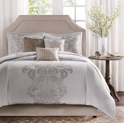Deco pillow 3 piece with classic damask Comforter set