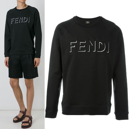 FE901 FENDI EMBOSSED LOGO SWEATSHIRT