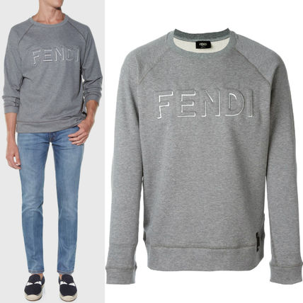 FE903 FENDI EMBOSSED LOGO SWEATSHIRT