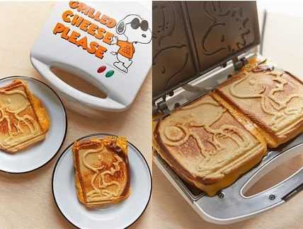 NEW UO * Snoopy Grilled Cheese makers