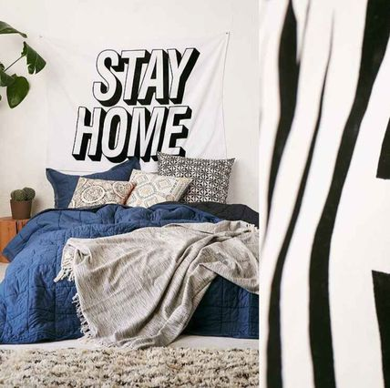 New!国内発送UO*Stay Home Applique タペストリー♪