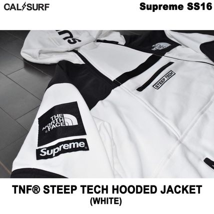 Supreme パーカー・フーディ Mサイズ!Supreme (シュプリーム) x TNF STEEP TECH SWEATSHIRT(2)