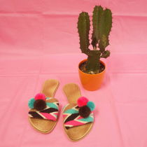 WAYUU POM POM SANDALS (band type)