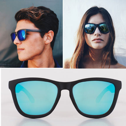 Carbon Black Blue unisex mirror lens