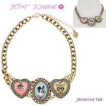 ★手元に在庫有★BETSEY JOHNSON Triple Critter Cameo...★