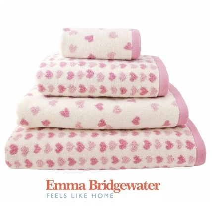Lovely British country from Emma Bridgewater pink heart